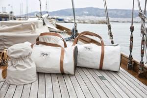 bolsos reciclados con lonas de barco